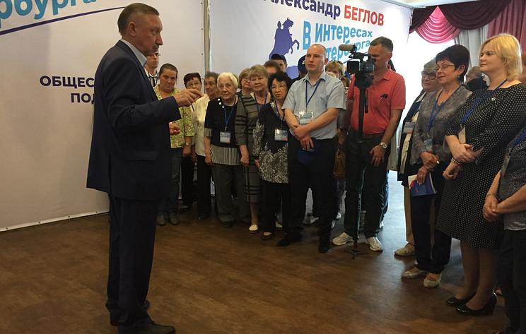 Беглов провел встречу с волонтерами в штабе общественной поддержки в Петербурге