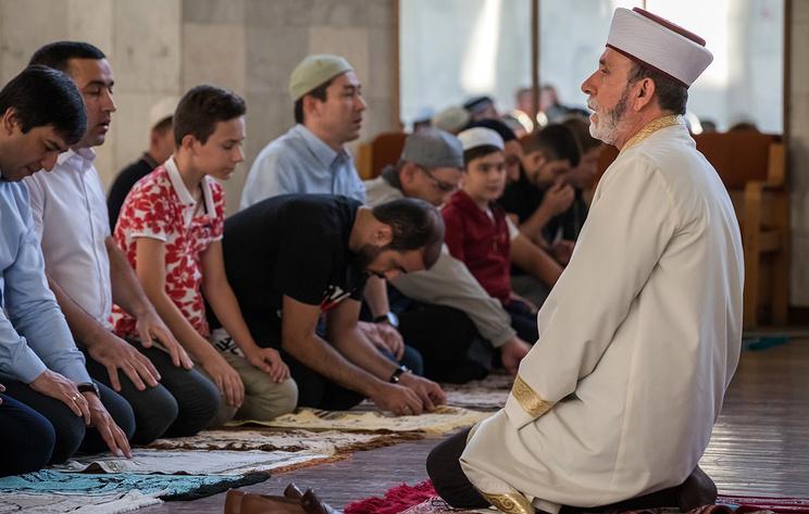 Мусульмане отмечают свой главный праздник Курбан-байрам