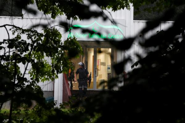 Устроивший стрельбу в норвежской мечети убил свою родственницу