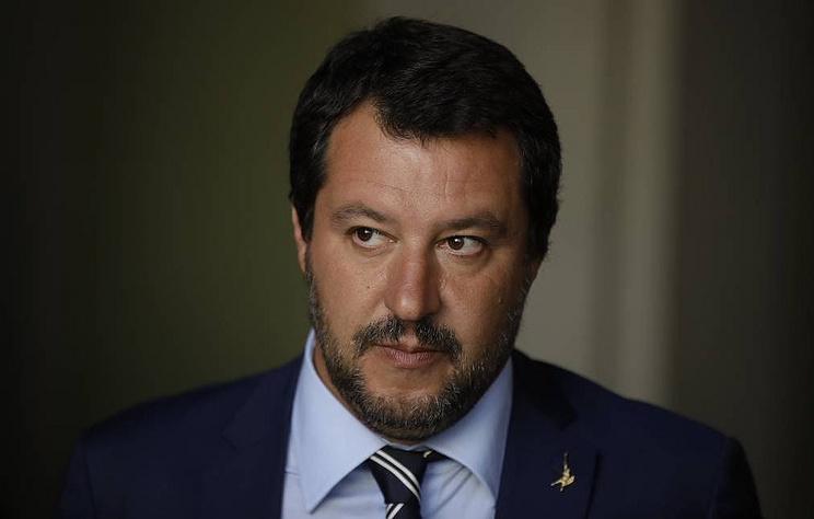 Вице-премьер Италии предложил Ричарду Гиру забрать мигрантов в Голливуд