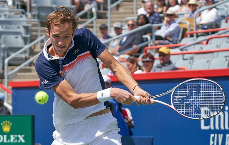 Теннисист Медведев обыграл Эдмунда и вышел во второй круг турнира в Цинциннати