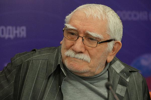 Армена Джигарханяна госпитализировали