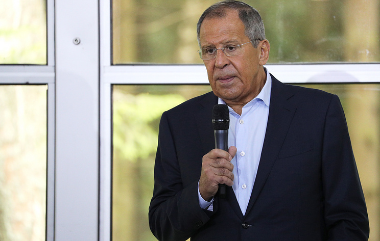 Лавров заявил, что Россия продолжит оказывать Донбассу социальную и гуманитарную поддержку