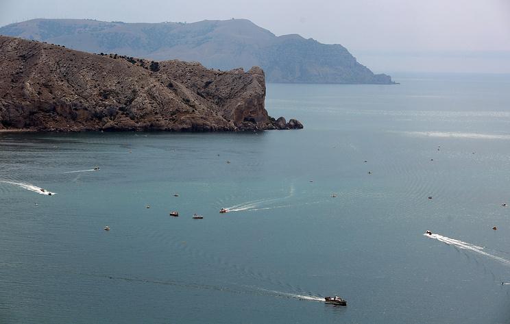 Прогулочный катер затонул в Черном море у Судака