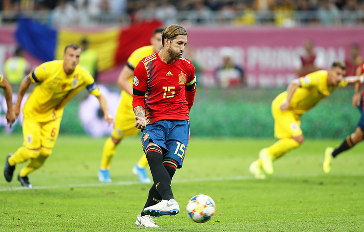 Испанские футболисты одержали пятую победу подряд в рамках отбора на ЧЕ-2020