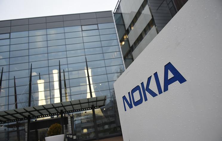 Nokia представила телефон-раскладушку 2720 Flip