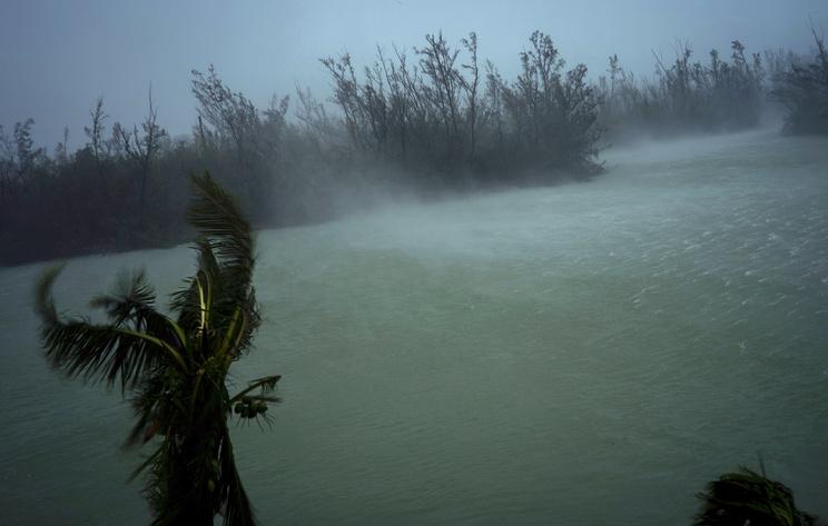 """Число погибших в результате урагана """"Дориан"""" на Багамах возросло до 43"""