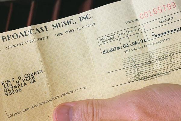 Найден чек с гонораром Курту Кобейну