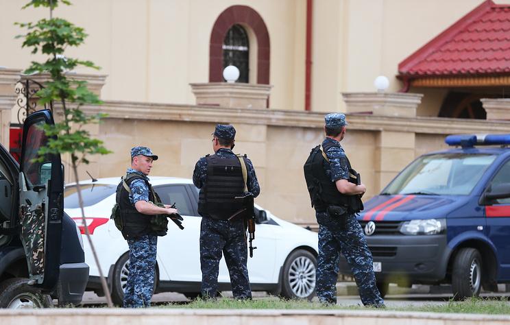 В Грозном ликвидировали мужчину, открывшего стрельбу по силовикам
