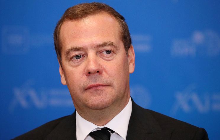 Медведев рассказал о своих школьных успехах по химии