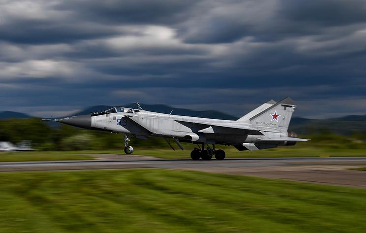 Источник: истребитель МиГ-31БМ совершил вынужденную посадку в Перми из-за возгорания