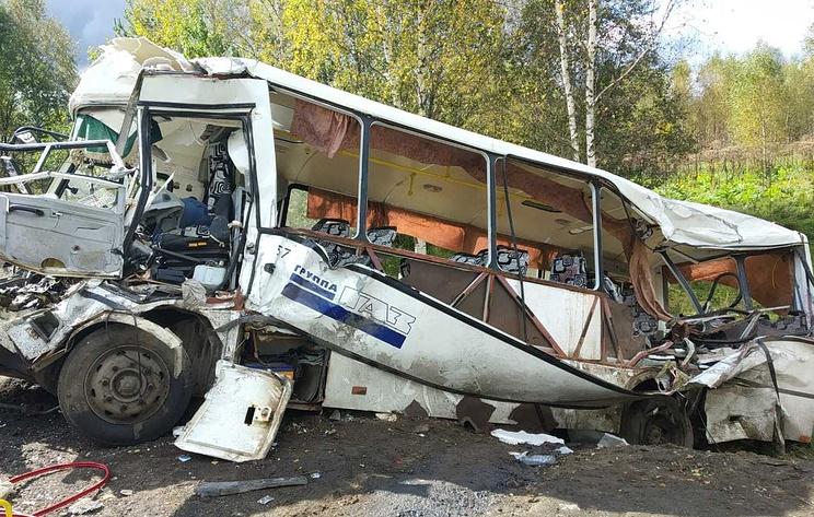 Число погибших в ДТП с автобусом под Ярославлем возросло до восьми