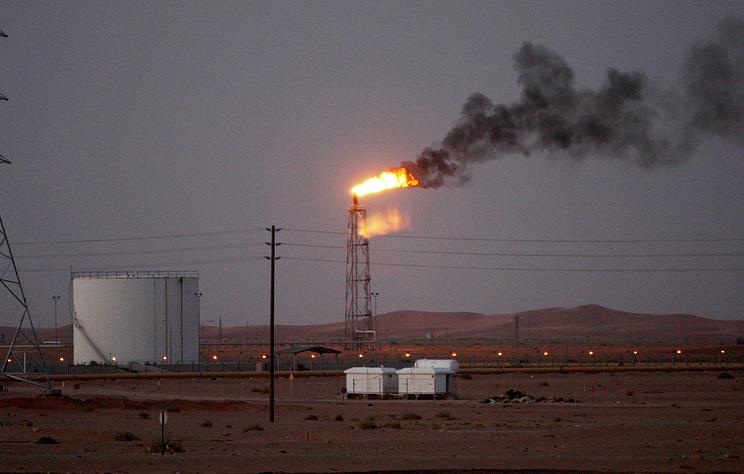 Эр-Рияд признал, что в результате атак на нефтяные объекты добыча нефти сократилась на 50%