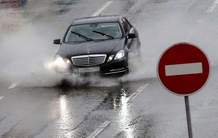 ГИБДД разъяснила правила вынесения штрафов в непогоду