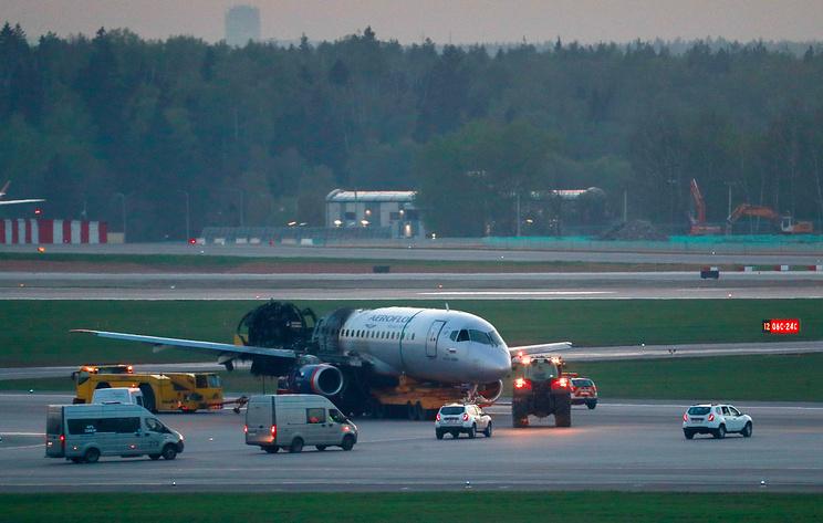 СК вменяет командиру SSJ-100 неправильные движения ручкой управления самолета при посадке