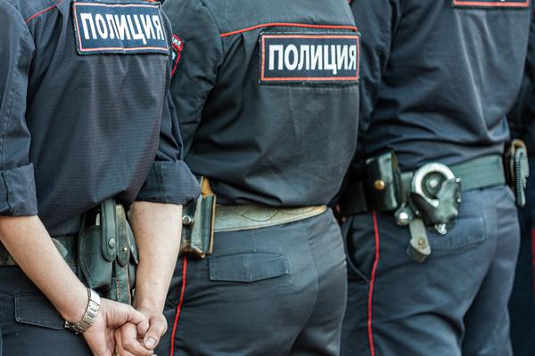 Полицейских на День уголовного розыска на всякий случай решили разоружить