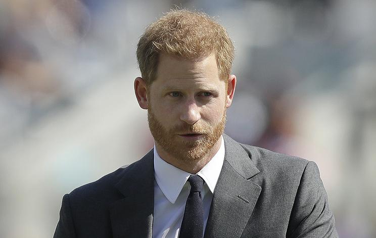 Принц Гарри подал в суд на газеты The Sunи Daily Mirror