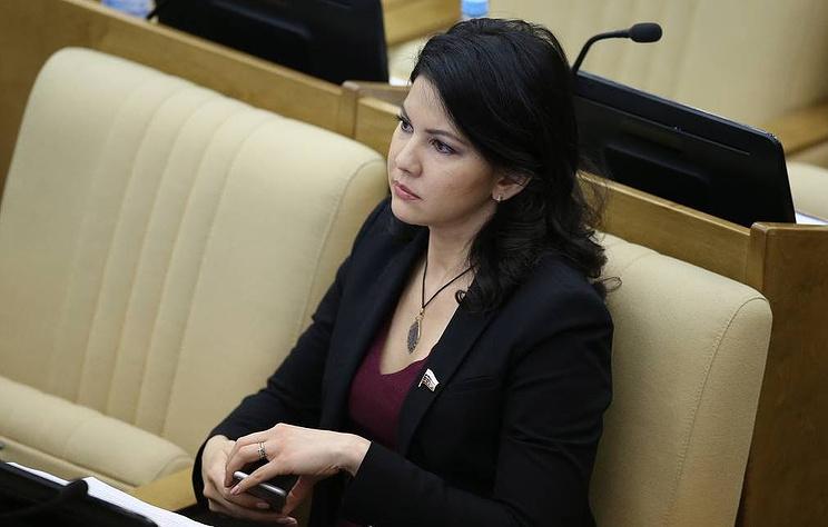 Депутат Госдумы Инга Юмашева вылетела из Нью-Йорка в Москву