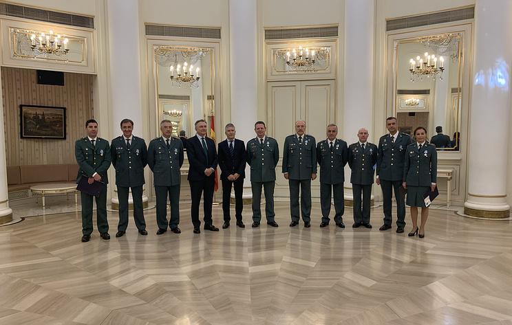 Сотрудникам гражданской гвардии Испании вручили медали МВД России