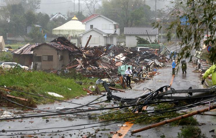 """Число жертв тайфуна """"Хагибис"""" в Японии достигло 18 человек"""