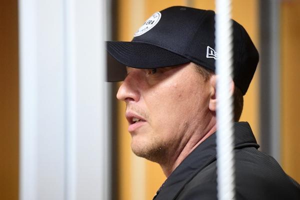 Арестованный полковник московской полиции принял взятку за самогон