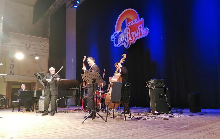 """Голощекин и Жилин открыли XXIII Международный джаз-фестиваль """"Евразия-2019"""" в Оренбурге"""