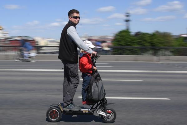 Правила дорожного движения захотели подстроить под роликовые коньки