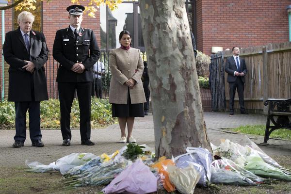 Британская полиция назвала погибших в грузовике 39 человек вьетнамцами