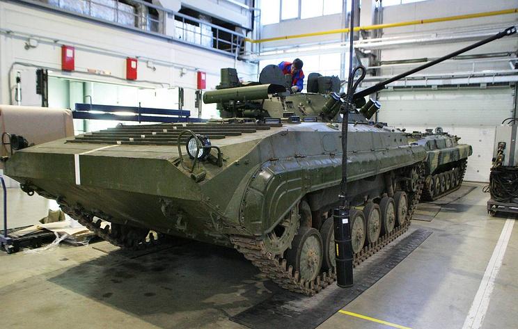 """Источник: госиспытания новейшей БМП-2М с гранатометом и """"Корнетами"""" завершатся к декабрю"""