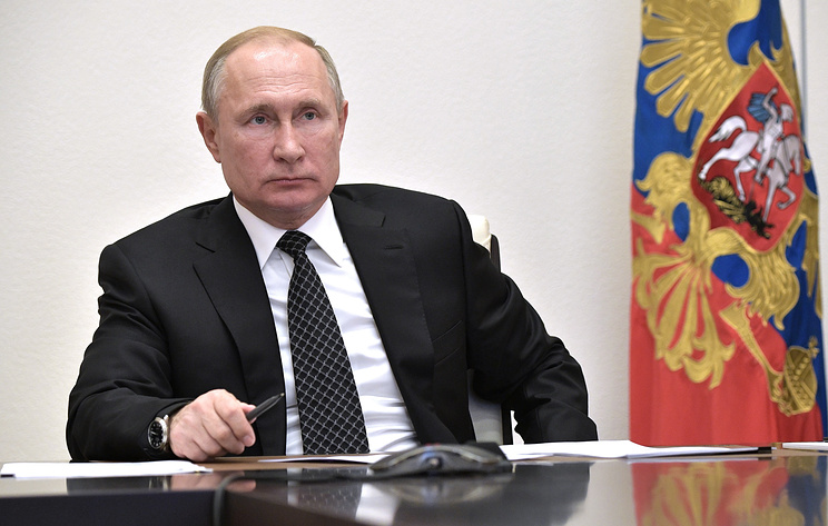 Путин уволил 10 генералов СК, МЧС и МВД