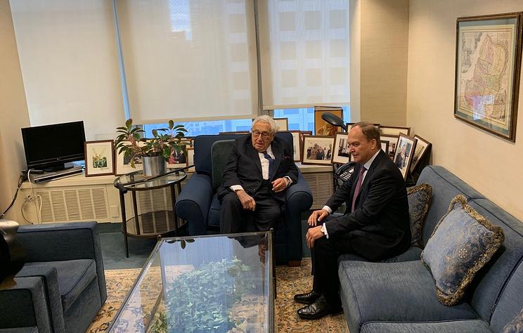 Посол РФ в США: Киссинджер считает, что отношения Вашингтона с Москвой нужно выправлять