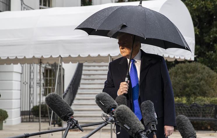 СМИ: предвыборный штаб Трампа лишил аккредитации журналистов агентства Bloomberg