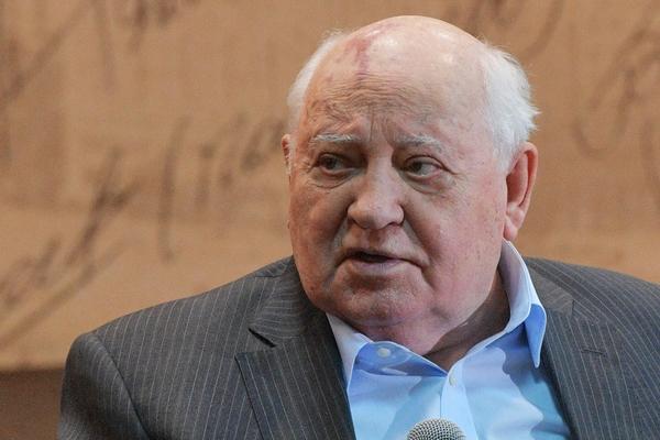 Горбачев обиделся на американских журналистов из-за слов о бедности