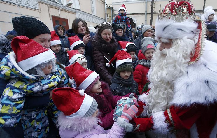 Опрос: чаще всего в России в Деда Мороза верят четырехлетние дети