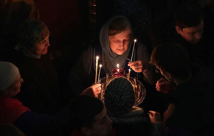 Рождественские богослужения в храмах Петербурга посетили более 200 тыс. человек