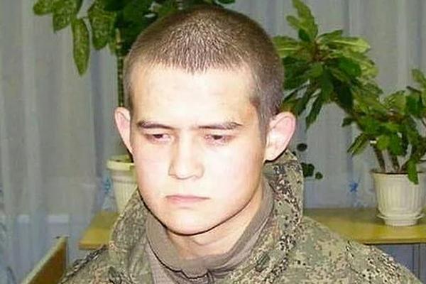 В издевательствах над расстрелявшим сослуживцев солдатом заподозрили рядового