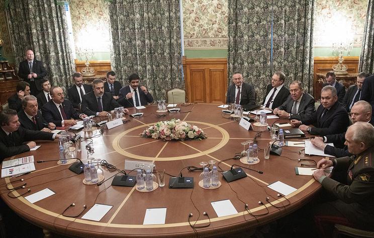 Участники переговоров по Ливии ждут решения фельдмаршала Хафтара