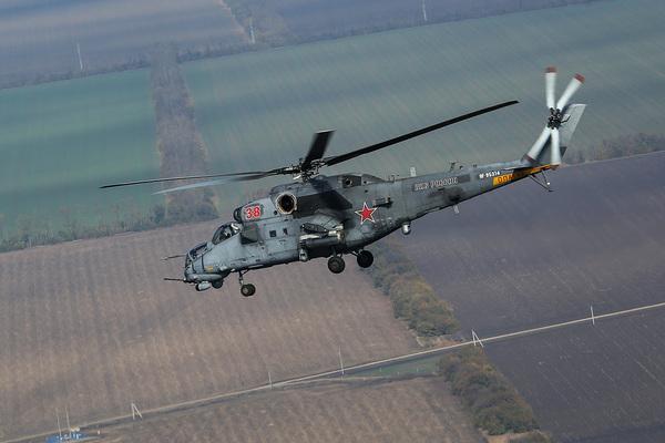 Российский Ми-35М отогнал курдов от патруля в Сирии
