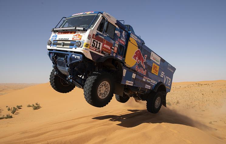 "Экипаж Каргинова победил на четвертом этапе подряд на ралли ""Дакар"" в категории грузовиков"