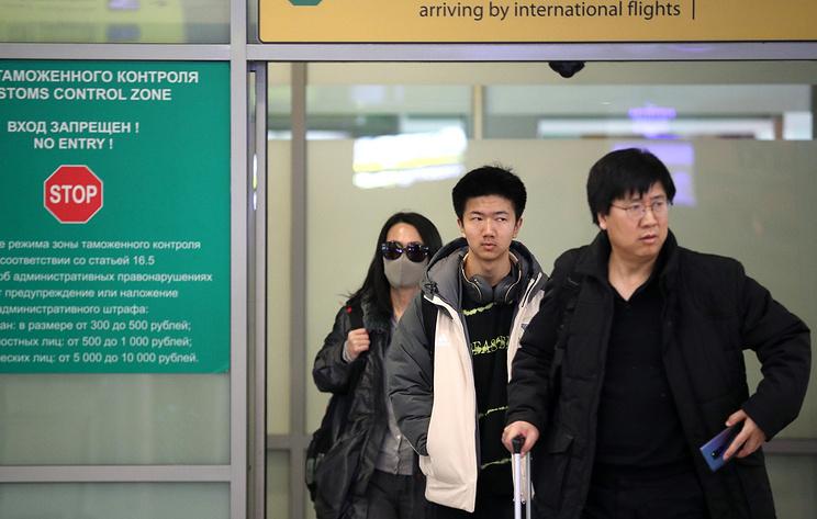 Пассажира из Шанхая госпитализировали из аэропорта Петербурга с подозрением на ОРВИ