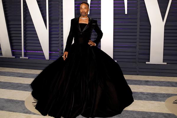 Актер пришел на «Улицу Сезам» в платье и разозлил американцев