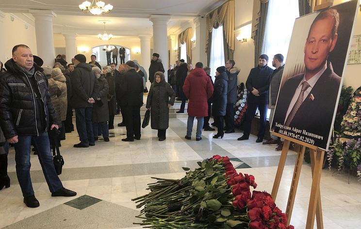 В Татарстане простились с депутатом Госдумы Айратом Хайруллиным