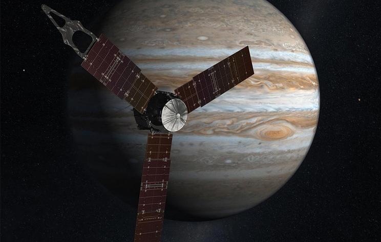 Зонд Juno нашел мало воды на экваторе Юпитера