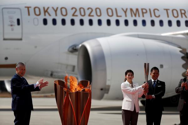 Олимпийский огонь доставили в Японию