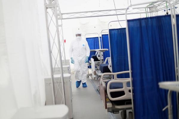 Число жертв коронавируса превысило 10 тысяч