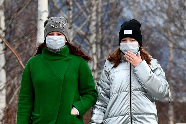 Россиянам назвали два сценария распространения коронавируса