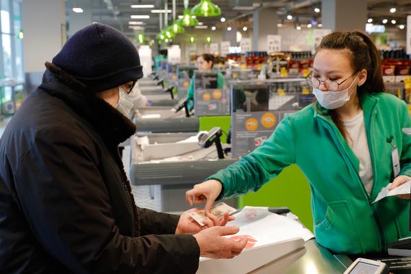 Пожилых россиян предложили снабдить товарами первой необходимости