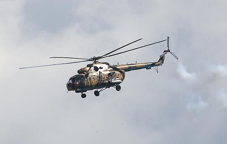 Военный вертолет Ми-8 совершил жесткую посадку в Подмосковье