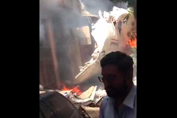Спасение выжившего в авиакатастрофе попало на видео