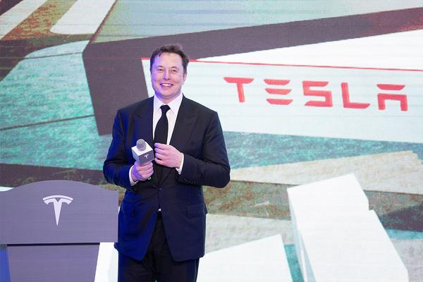 Илон Маск получил право на особую премию от Tesla
